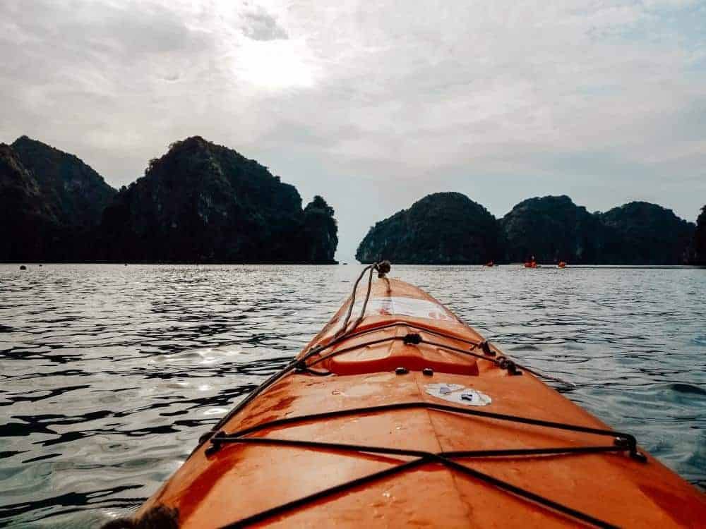 Kayak view ethical tour in Halong Bay