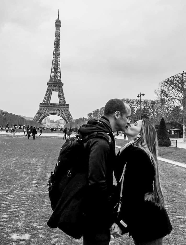 couples traveling together to Paris