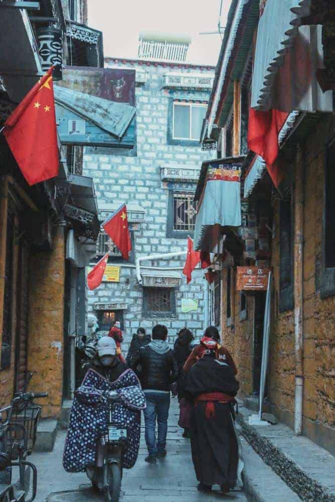 lhasa tibet alleys