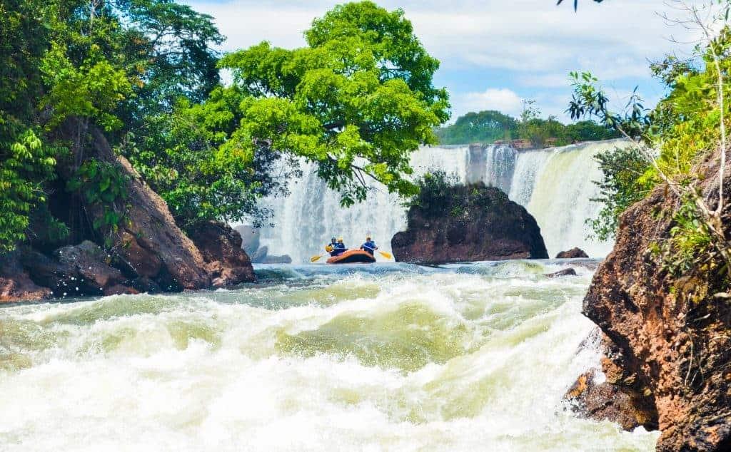 nature adventure rafting