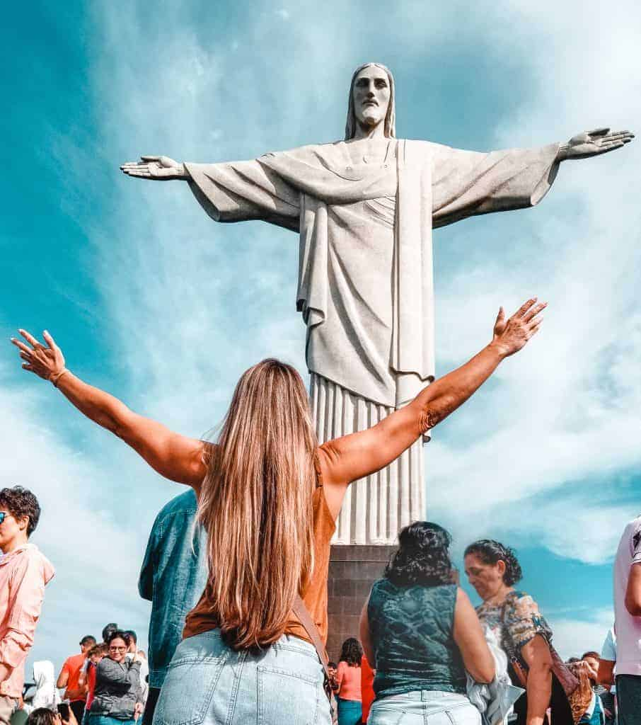 In this ultimate guide of Rio de Janeiro, I will explain why I am passionate about Rio. I also hope to help you plan a perfect visit to the Cidade Maravilhosa (The Marvelous City) as we Brazilian people call it.