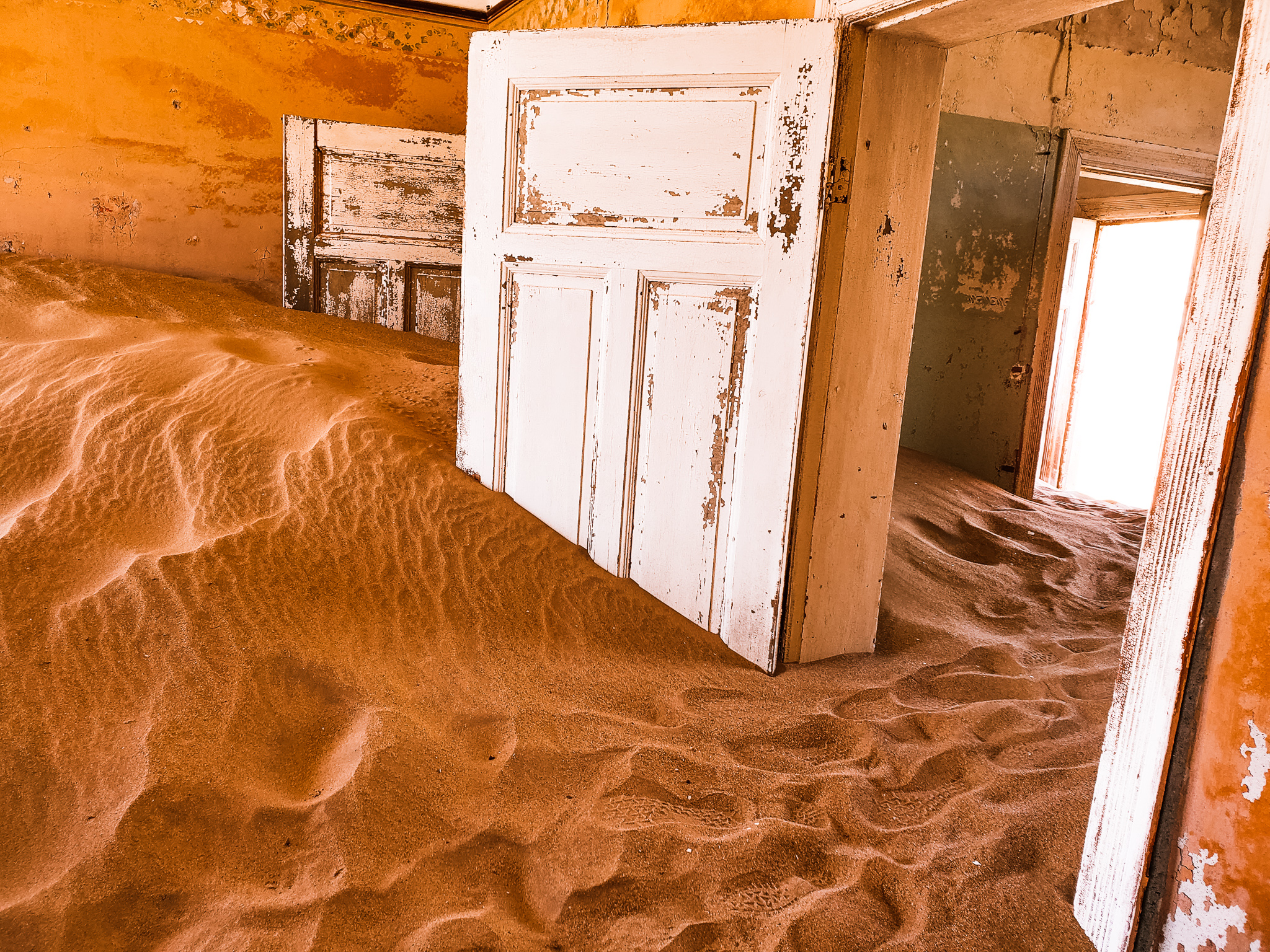 Kolmanskop inspires to take many photos
