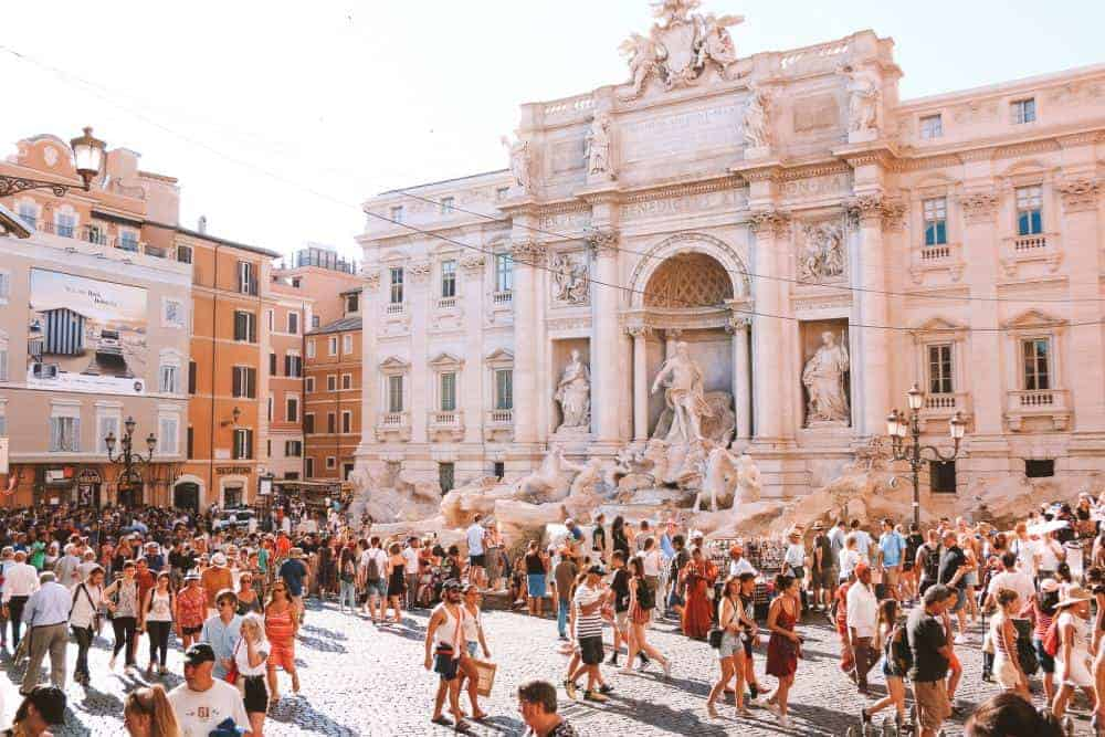 Italy image of overtourism, follow the travel tips for ethical