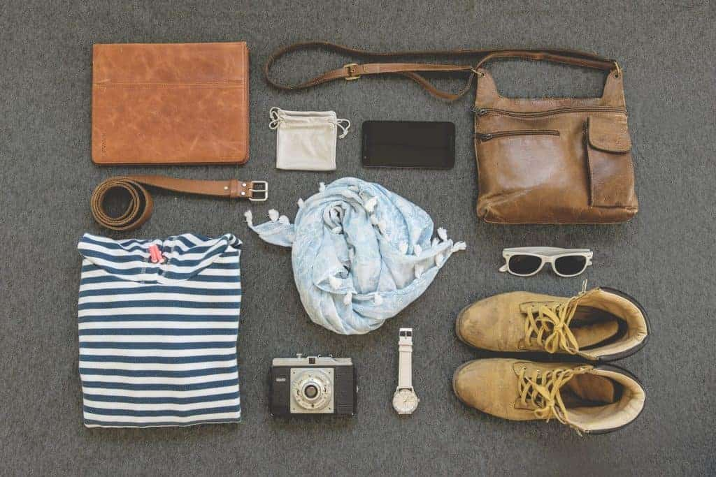 travel lovers gifts guide to fit your budget