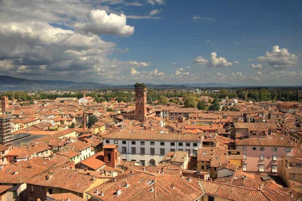 from Rome to Tuscany and visit Lucca